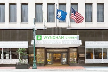 Book Wyndham Garden Hotel Baronne Plaza in New Orleans.