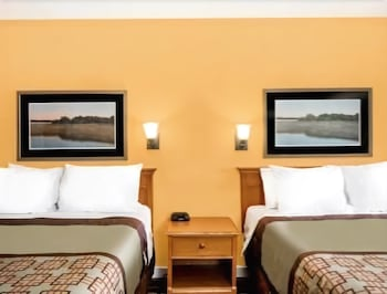 Guestroom at Days Inn by Wyndham Little River in Little River