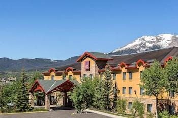 薩米特縣凱富全套房飯店 Comfort Suites Summit County
