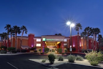 Exterior at Holiday Inn Express Hotel & Suites Scottsdale - Old Town in Scottsdale