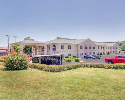 Quality Inn & Suites, Kerr