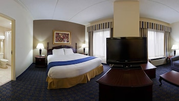Suite, 1 King Bed, Accessible, Non Smoking (Mobility, Roll-In Shower)
