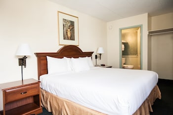 Guestroom at Inns of Virginia - Falls Church in Falls Church