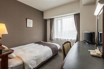 スタンダード シングルルーム シングルベッド 1 台 禁煙|コンフォートホテル豊川