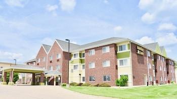 Mainstay Suites Cedar Rapids photo