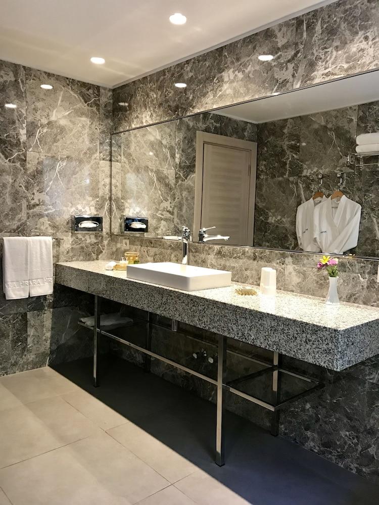파타라 프린스 호텔 & 리조트 - 스페셜 클래스(Patara Prince Hotel & Resort - Special Class) Hotel Image 46 - Bathroom