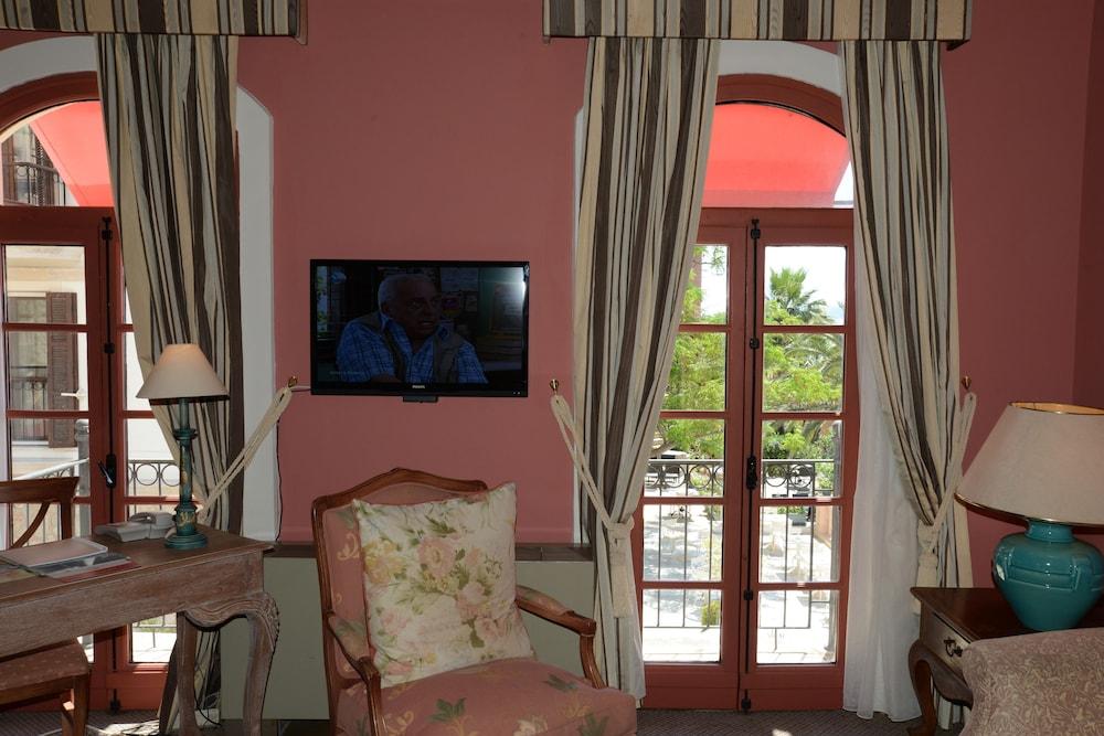 파타라 프린스 호텔 & 리조트 - 스페셜 클래스(Patara Prince Hotel & Resort - Special Class) Hotel Image 27 - Living Area
