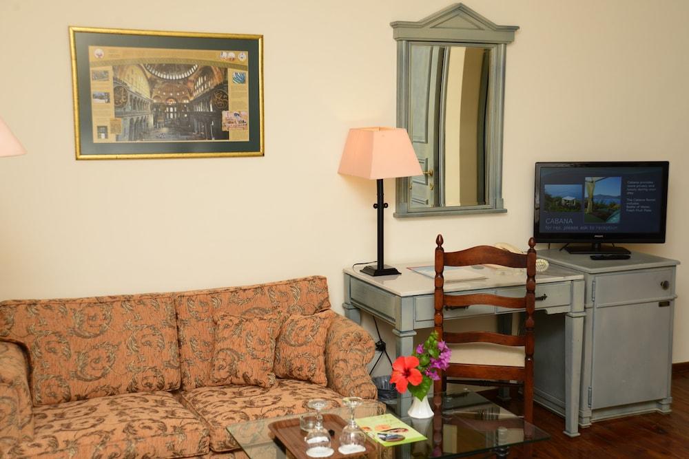 파타라 프린스 호텔 & 리조트 - 스페셜 클래스(Patara Prince Hotel & Resort - Special Class) Hotel Image 26 - Living Area