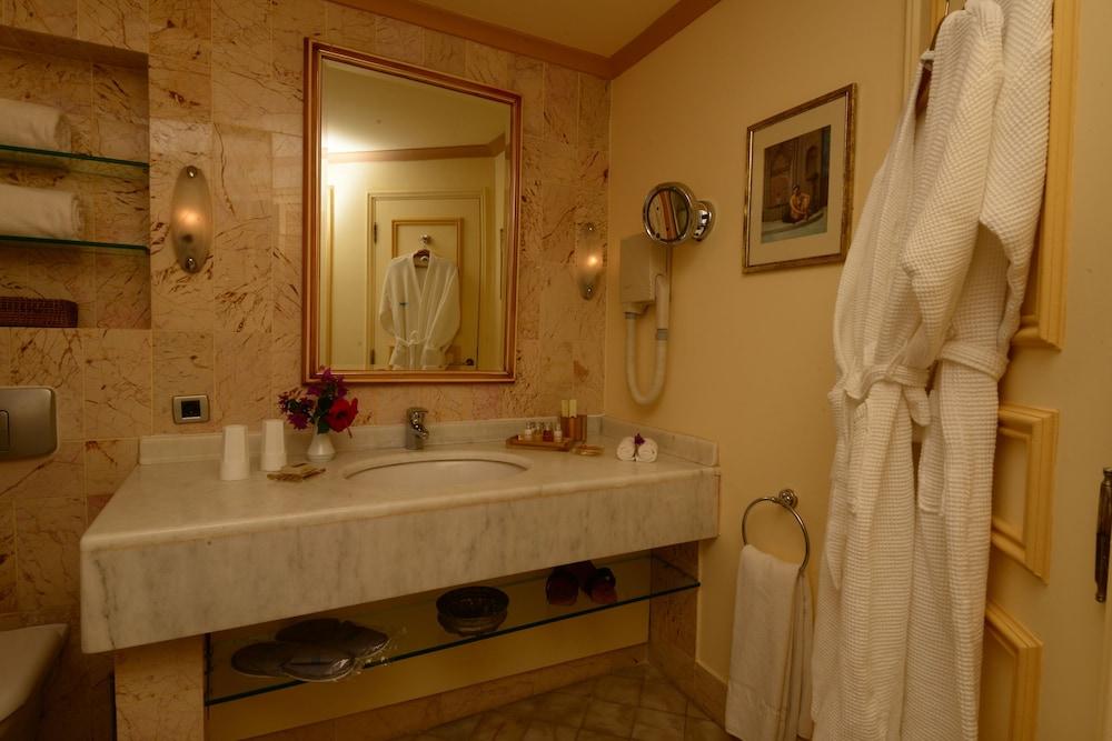 파타라 프린스 호텔 & 리조트 - 스페셜 클래스(Patara Prince Hotel & Resort - Special Class) Hotel Image 38 - Bathroom