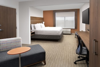 Guestroom at Holiday Inn Express & Suites Baltimore - BWI Airport North in Linthicum Heights