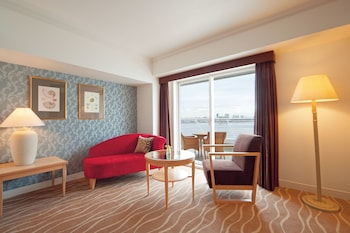 KOBE MERIKEN PARK ORIENTAL HOTEL Living Area
