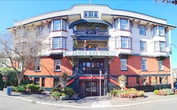 James Bay Inn Hotel Suites & Cottage