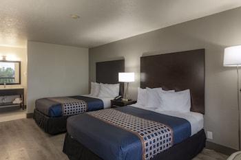 Standard Room, 2 Queen Beds (DOUBLE ROOM WITH TWO QUEEN BEDS)