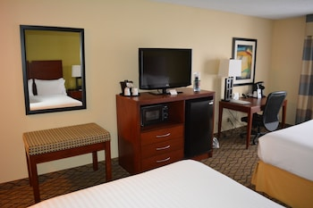 Holiday Inn Express & Suites Lancaster - In-Room Amenity  - #0