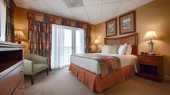 Guestroom at Best Western Plus Grand Strand Inn & Suites in Myrtle Beach