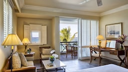Room, Oceanfront (colonial)