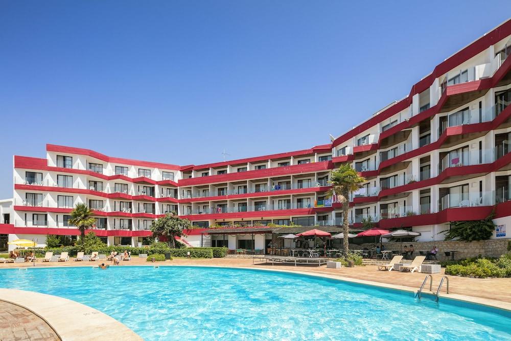 Hotel da Aldeia, Featured Image