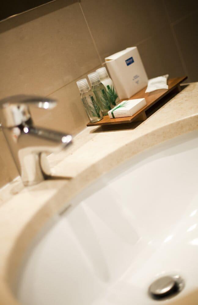 벨베르 베타 포르토 호텔(Belver Beta Porto Hotel) Hotel Image 9 - Bathroom Sink