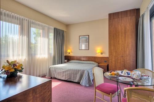 . Hotel Petra