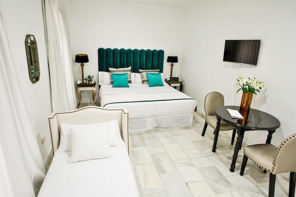 11Th Principe by Splendom Suites, Featured Image