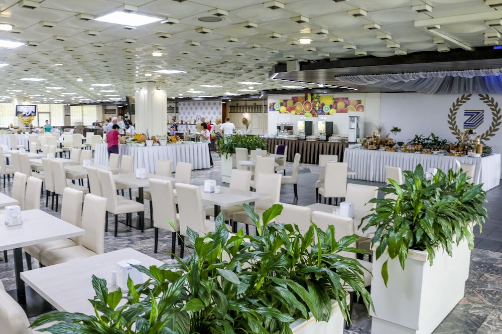 グランド ホテル ジェムチュジナ