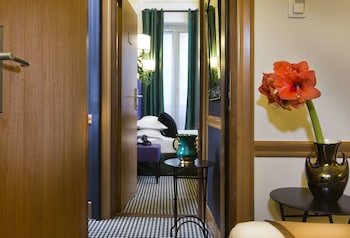 Room, Connecting Rooms