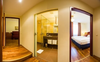 Premium Quadruple Room, Courtyard View