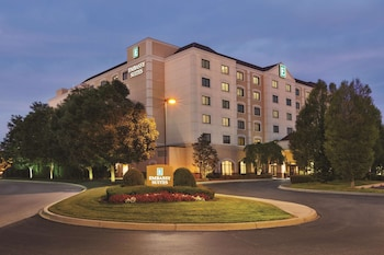 Hotel - Embassy Suites Louisville East