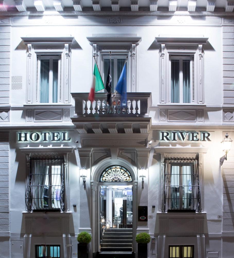 LHP ホテル リバー & スパ