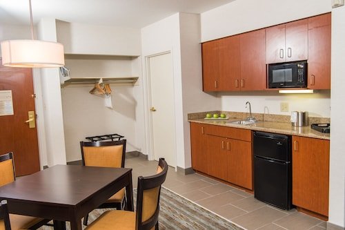 Holiday Inn Express Hotel & Suites Erie (Summit Township), Erie