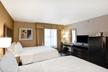 Suite, 1 Queen Bed, Non Smoking (Roll-In Shower)