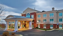 Holiday Inn Express Hotel & Suites Grand Rapids-North, an IHG Hotel