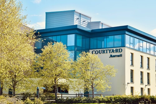 . Courtyard by Marriott Glasgow Airport