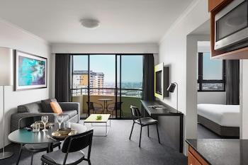 One Bedroom Apartment - Weekly Housekeeping