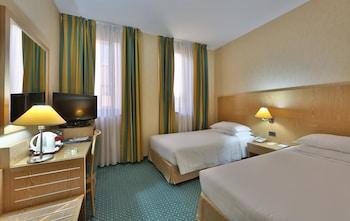 Comfort Room, Multiple Beds