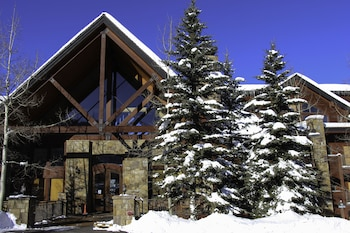 Hotel - Bear Creek Lodge