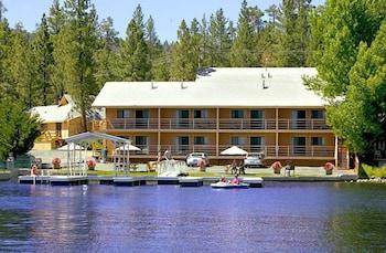 大熊湖濱旅館 Big Bear Lakefront Lodge