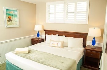 Suite, 1 Queen Bed with Sofa bed, Poolside