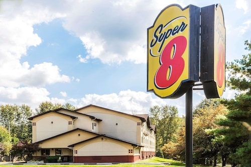 . Super 8 by Wyndham Stroudsburg
