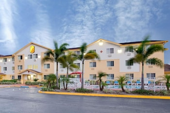 Hotel - Super 8 by Wyndham Clearwater/St. Petersburg Airport