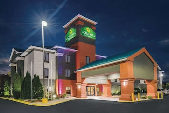 Hotel - La Quinta Inn & Suites by Wyndham Louisville