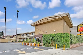 Hotel - Super 8 by Wyndham Los Angeles-Culver City Area