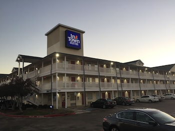 Hotel - InTown Suites Garland