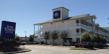 Hotel - InTown Suites Westchase