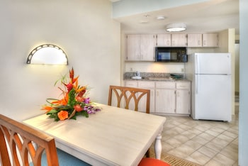Standard Room, 1 King Bed with Sofa bed, Kitchen, Partial Ocean View