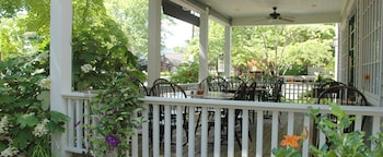 Artists Colony Inn & Restaurant - Porch  - #0