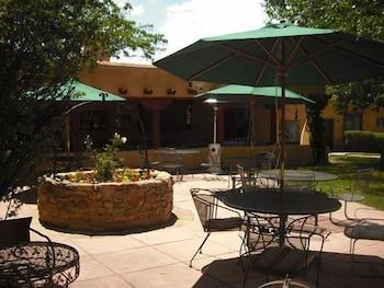 Hotel - El Pueblo Lodge