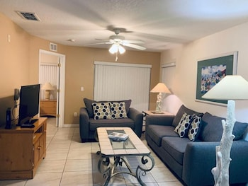 Townhome, 3 Bedrooms, Patio (Superior)