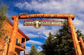 Hotel - Cowboy Village Resort