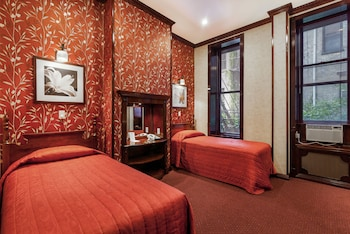 Guestroom at Hotel 17 in New York